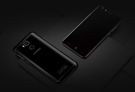 Design and Appearance of Doogee Y6 Piano Black