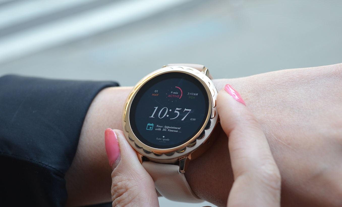 Kate Spade Scallop smartwatch for women