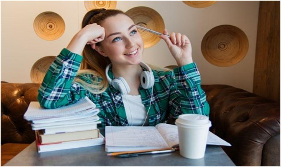 4 Must-Have Apps College Freshmen